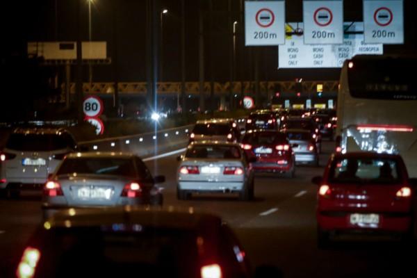 Απαγόρευση κυκλοφορίας: Χάος στις εθνικές οδούς - Φεύγουν σωρηδόν οι Αθηναίοι