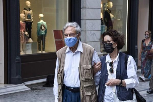 Κορωνοϊός: Μάσκα μέχρι την... άνοιξη