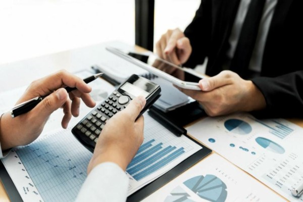 Τα μέτρα ενίσχυσης για επιχειρήσεις και εργαζόμενους