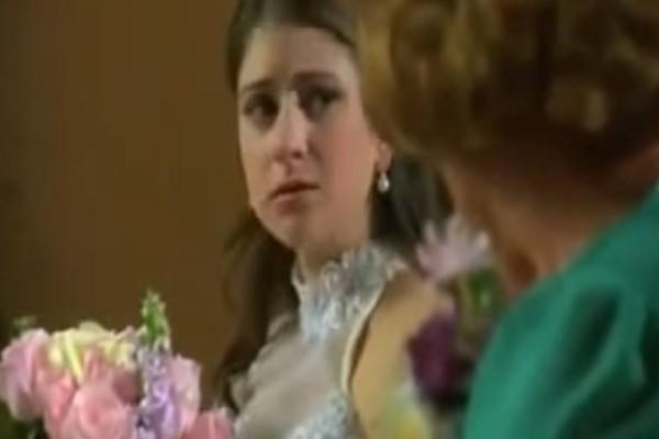 Νύφη είχε αμφιβολίες για τον γάμο της και το εκμυστηρεύτηκε στη γιαγιά της - Η ιστορία της θα σας σοκάρει (Video)