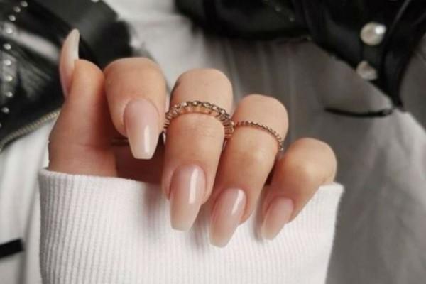 Αυτή είναι η τάση στα νύχια που θα επικρατήσει και αυτόν τον χειμώνα