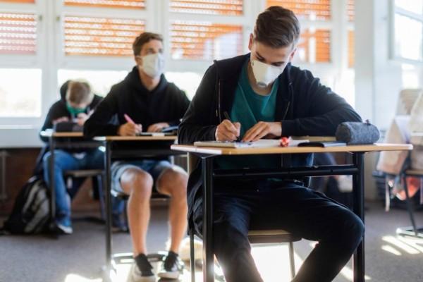 Οικονομική υποστήριξη 700 ευρώ για μαθητές ΙΕΚ και ΕΠΑΛ - Ποιοι είναι αυτοί που το δικαιούνται
