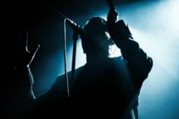 Σοκ: Πέθανε διάσημος τραγουδιστής από καρκίνο
