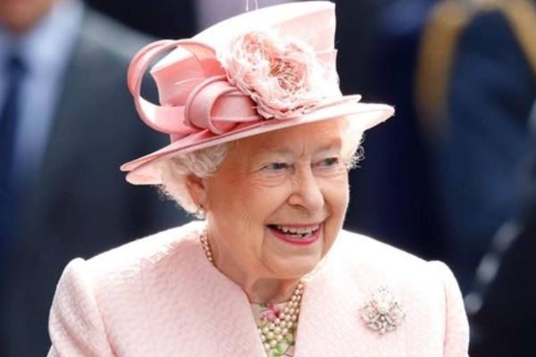 Σπαραγμός για τη Βασίλισσα Ελισάβετ - Θρήνος στο Buckingham