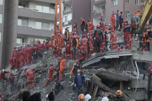 Τουρκία: Στους 91 έχουν φτάσει οι νεκροί από το φονικό σεισμό