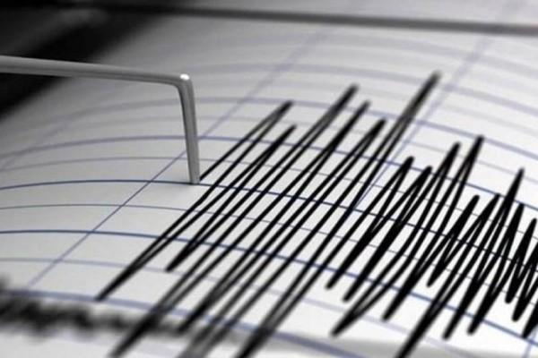 Συνεχείς σεισμικές δονήσεις στη Σαντορίνη