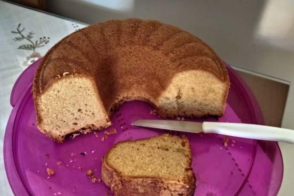 Εύκολο κέικ με μόνο έξι υλικά - Το πιο νόστιμο γλυκό