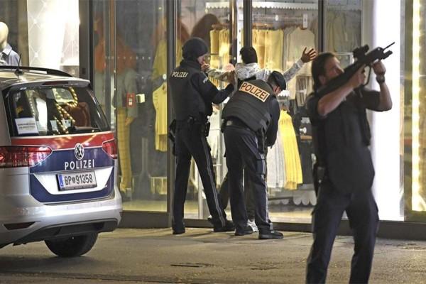 Το ISIS ανέλαβε την ευθύνη για την τρομοκρατική επίθεση στην Βιέννη - Τρόμος στην Ευρώπη