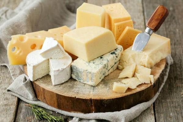 Κρακεράκια με τυρί: Ο συνδυασμός - θησαυρός για τον οργανισμό σου