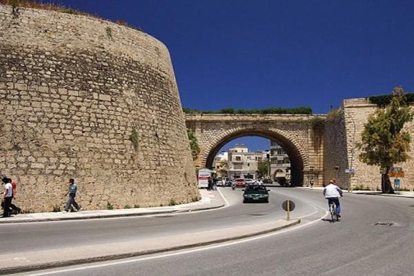 Σοκ στο Ηράκλειο: Πέθανε πάνω στο τιμόνι πριν προλάβει να ταξιδέψει!
