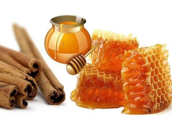 Απίστευτο: Δείτε τι θα σας συμβεί αν τρώτε καθημερινά μέλι και κανέλα