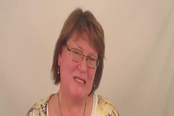 52χρονη μητέρα αποφάσισε να κάνει μακιγιάζ για το γάμο της κόρης της - Το αποτέλεσμα θα σας αφήσει άφωνους (Video)