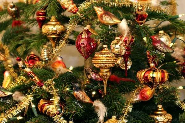 Ένας απίστευτος τρόπος για να δημιουργήσετε Χριστουγεννιάτικα στολίδια