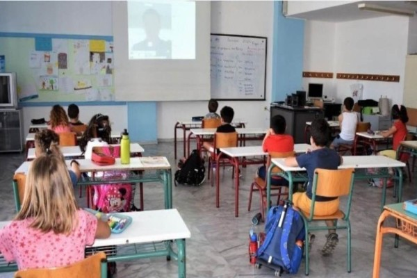 Σχολεία: Προσπάθεια να ανοίξουν 8 ή 11 Ιανουαρίου - Οι προτάσεις Κεραμέως