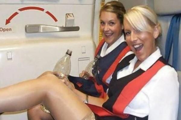Απίστευτο: Δεν πάει ο νους σου γιατί οι αεροσυνοδοί σε χαιρετούν πάντα στην πόρτα!