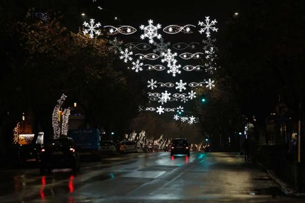 Απαγόρευση κυκλοφορίας: Τι ισχύει για Χριστούγεννα και Πρωτοχρονιά - Το όριο στο τραπέζι (Video)