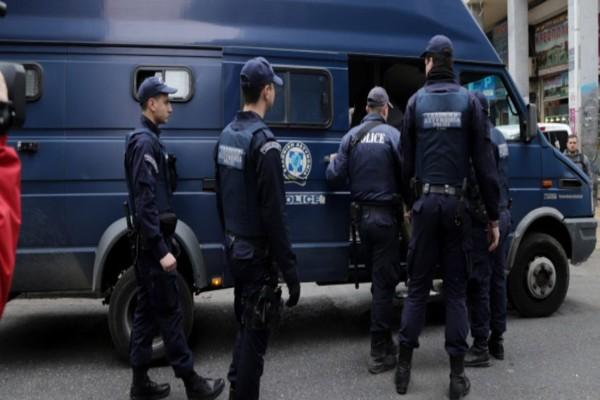 Μεγάλη επιχείρηση της Αστυνομίας εξάρθρωσε κύκλωμα με λαθραία τσιγάρα