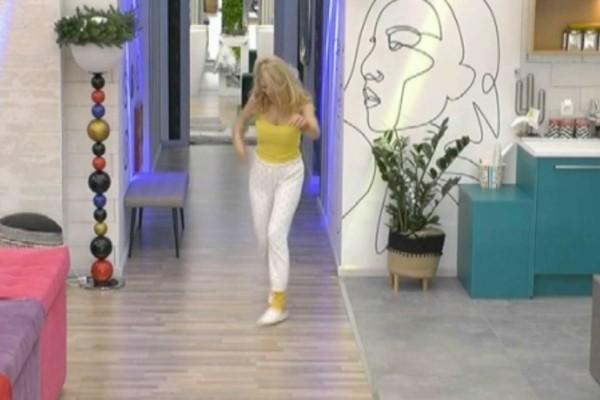 Big Brother: Σε τρελά κέφια η Άννα Μαρία - Το… κούνησε και ξεσήκωσε το σπίτι
