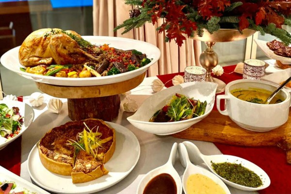 Στρατηγική συνεργασία του Δειπνοσοφιστήριον Catering με το Ecali Club