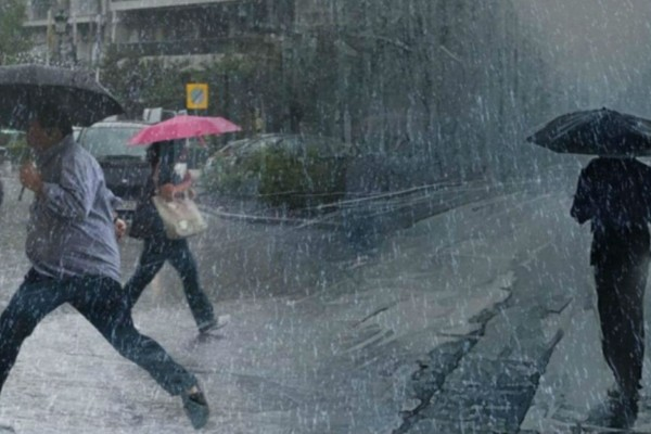 Έκτακτο δελτίο επιδείνωσης καιρού: Που θα χτυπήσουν τις επόμενες ώρες βροχές και καταιγίδες