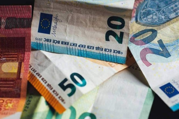 ΟΑΕΔ - Επίδομα 400 ευρώ: Καταβλήθηκε στο 55% των δικαιούχων