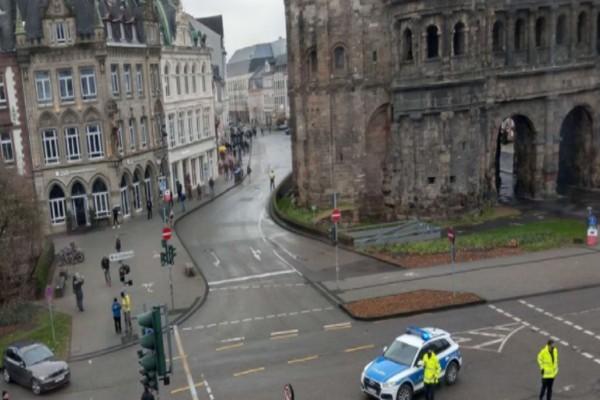 Συναγερμός στη Γερμανία: Αυτοκίνητο έπεσε πάνω σε πεζούς - Τέσσερις νεκροί, αρκετοί τραυματίες