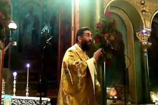 «Αντιρρησίες θα είσαστε σπίτι σας, όχι εδώ» - Ιερέας στην Καλαμάτα διέκοψε την λειτουργία γιατί πιστοί δεν φορούσαν μάσκα!