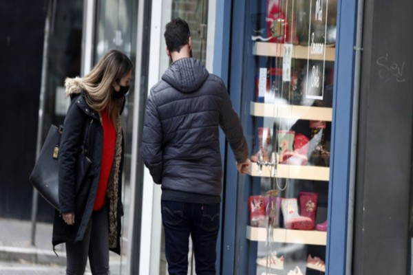 Click Away: Τα καταστήματα πρέπει να κάνουν επιστροφή χρημάτων και αλλαγές
