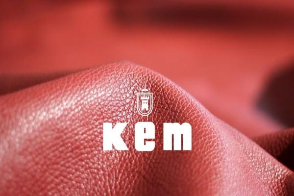 KEM: Το must - have κομμάτι που δεν πρέπει να λείπει από την γκαρνταρόμπα σας - Κοστίζει μόνο 25 ευρώ
