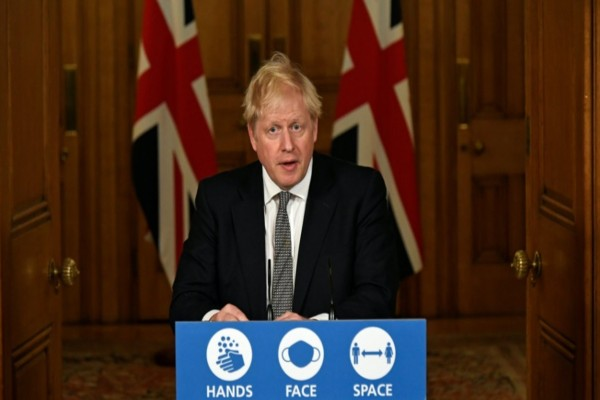 Βρετανία - Κορωνοϊός: Νέα επείγοντα μέτρα αναμένεται να ανακοινώσει σήμερα ο Τζόνσον