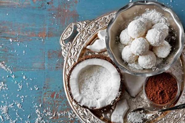 Κουραμπιέδες… σκέτο όνειρο με σοκολάτα και ζαχαρούχο γάλα