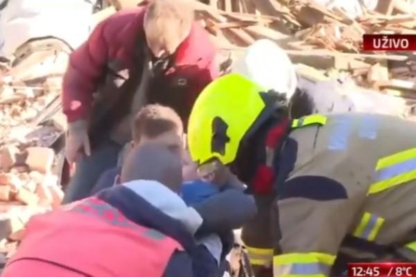 Ισχυρός σεισμός 6,4 Ρίχτερ στην Κροατία (photos-video)