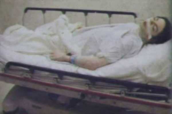 Η φωτογραφία που σόκαρε όλον τον κόσμο: Το πτώμα του Michael Jackson...