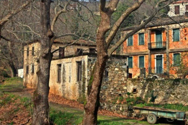 Μεταξοχώρι: Το χωριό με τα επιβλητικά αρχοντόσπιτα και τη μαγευτική ομορφιά