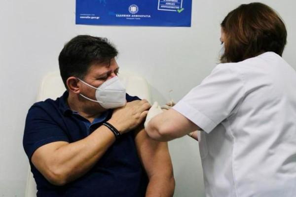 Κορωνοϊός: Εμβολιάστηκε ο Μιλτιάδης Βαρβιτσιώτης -