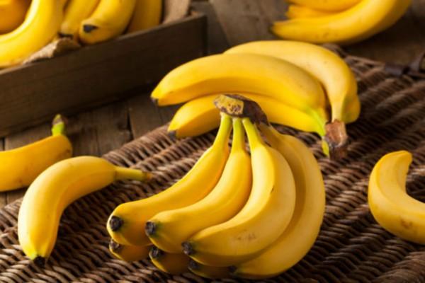Τα ευεργετικά οφέλη της μπανάνας στον οργανισμό - Τι θα συμβεί αν τρώτε δύο καθημερινά για ένα μήνα (Video)