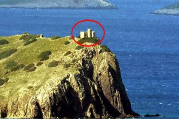 Σε αυτή τη νησίδα, δίπλα στα Ίμια, χτίζουν στρατιωτικό φυλάκιο οι Τούρκοι