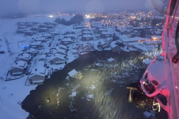 Συναγερμός στη Νορβηγία: Χιονοστιβάδα καταπλάκωσε χωριό - Αρκετοί είναι οι αγνοούμενοι