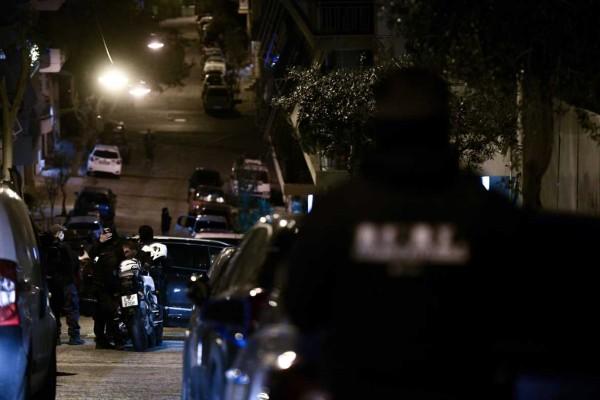 Έκρηξη στο Παγκράτι: Επιχειρηματίας ο στόχος των εμπρηστών