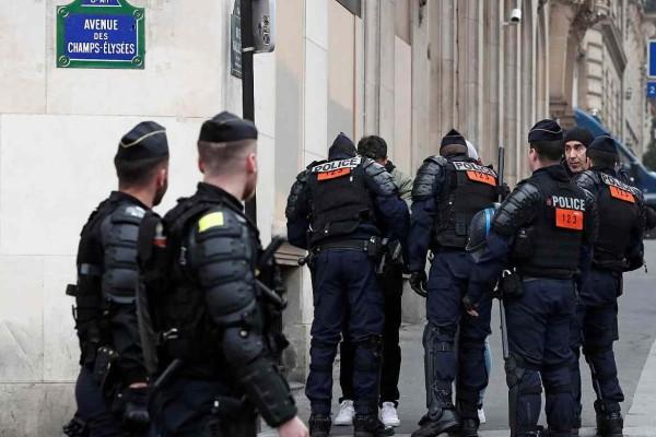 Χάος στη Γαλλία: Ομηρία σε εξέλιξη και αναφορά για τραυματίες