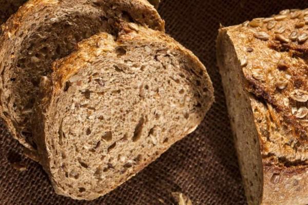 Αφράτο ψωμί στο πεντάλεπτο!