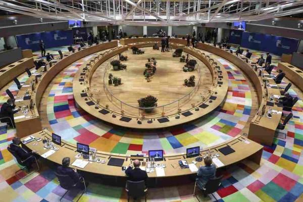 Σύνοδος Κορυφής: Συμφωνία για το Ταμείο Ανάκαμψης και ανάσα 1.8 δις ευρώ