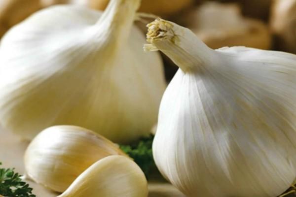 4 έξυπνες χρήσεις του σκόρδου που πιθανόν δε γνωρίζετε