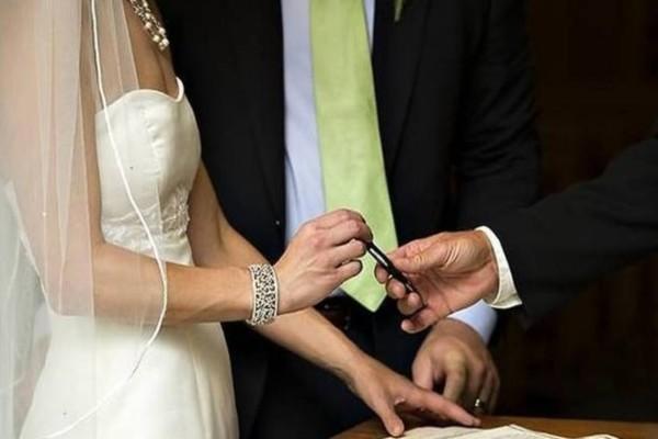 Χαμός στα Τρίκαλα: Σχόλασε ο γάμος όταν αποκαλύφθηκε πως η νύφη ήταν…