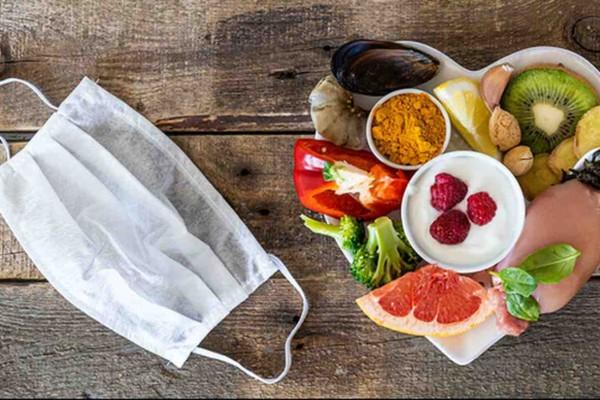Θα σωθείτε: Οι 2 τροφές που διώχνουν τον κορωνοϊό!