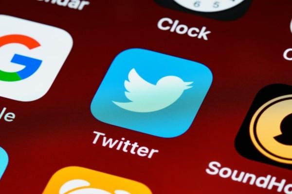 Κορωνοϊός: Το Twitter ξεκινά να αφαιρεί τα ψευδή και παραπλανητικά μηνύματα για τα εμβόλια