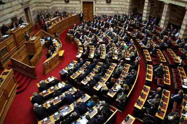 Προϋπολογισμός: Υπερψηφίστηκε με 158 «ναι» και ψήφο εμπιστοσύνης στην κυβέρνηση