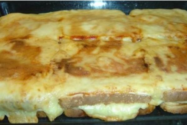 Η πίτσα τοστ της Ελένης που μας πήρε τα μυαλά και θα ξετρελάνει τα παιδιά σας