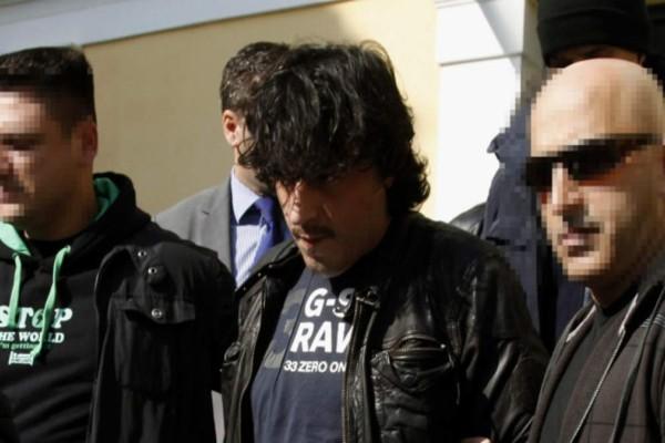 Ποιος είναι ο καταζητούμενος, συνεπιβάτης του Αλκέτ Ριζάι που συνελήφθη το Σάββατο