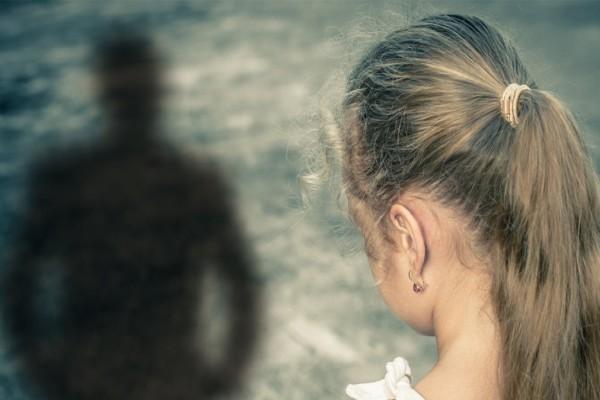 Σοκ στη Λάρισα: 56χρονος προσπάθησε να εξαναγκάσει ανήλικη να βάλει στο στόμα της ερωτικό βοήθημα